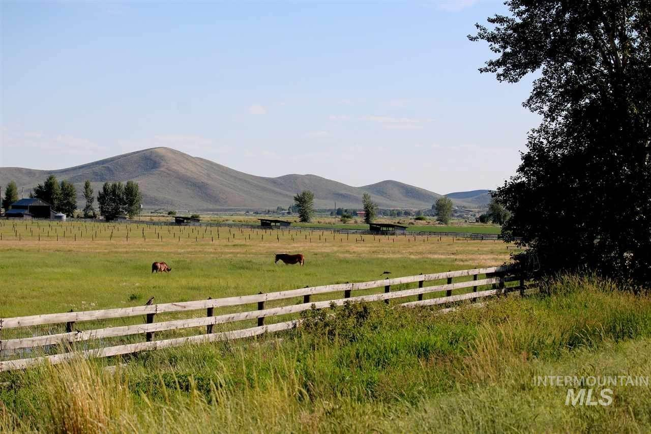 Ranch for Sale at Bellevue, Idaho 83313