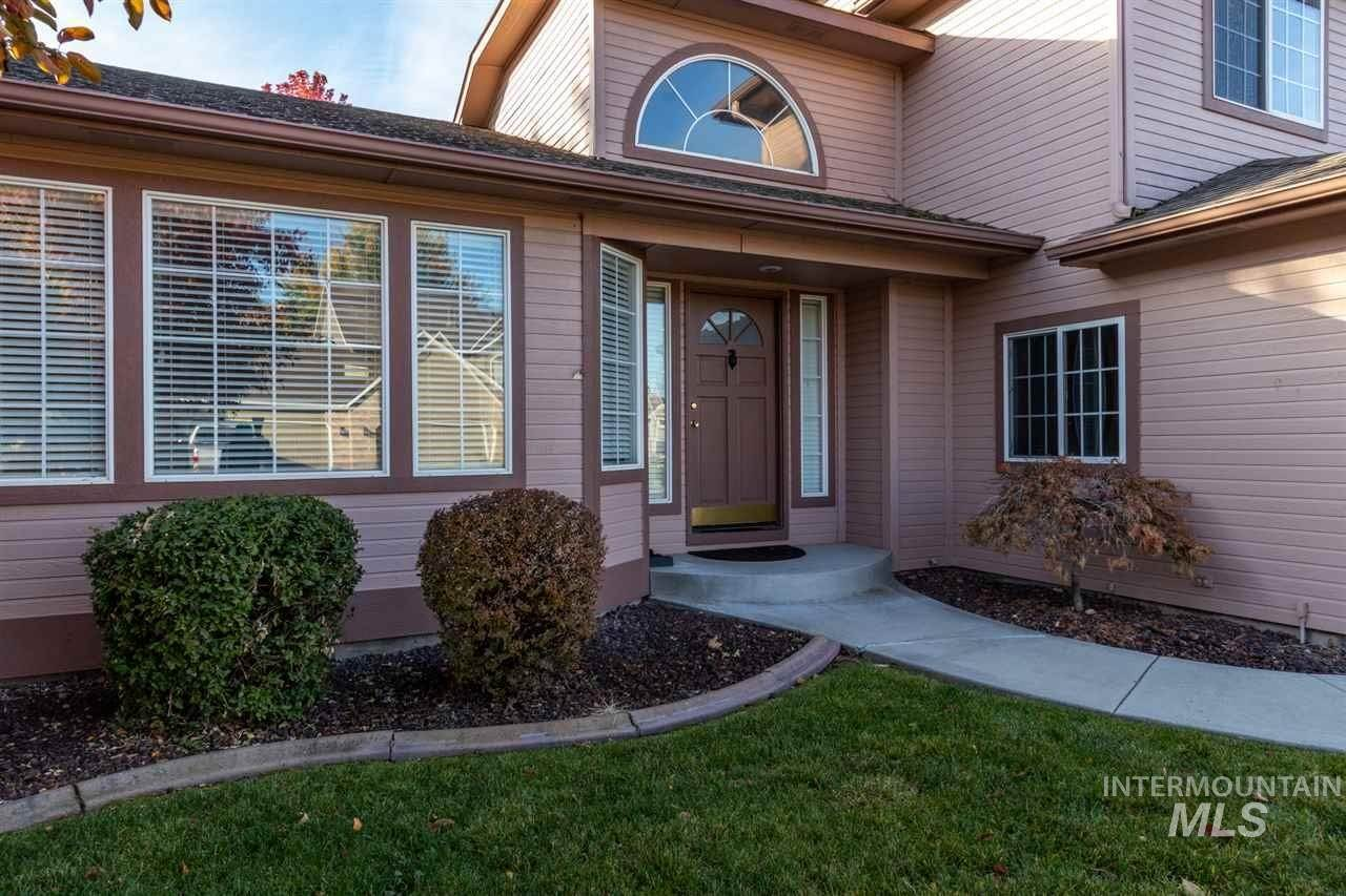 2. Single Family Homes at Meridian, Idaho 83646