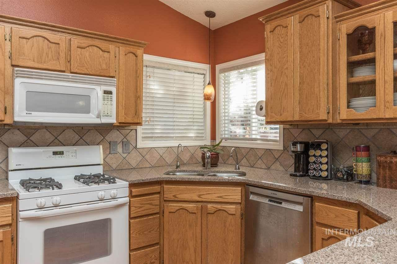 6. Single Family Homes at Meridian, Idaho 83646