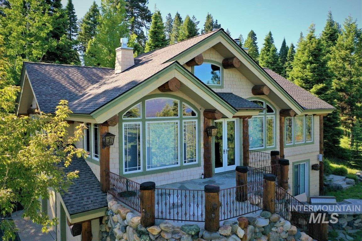 Single Family Homes for Sale at McCall, Idaho 83638