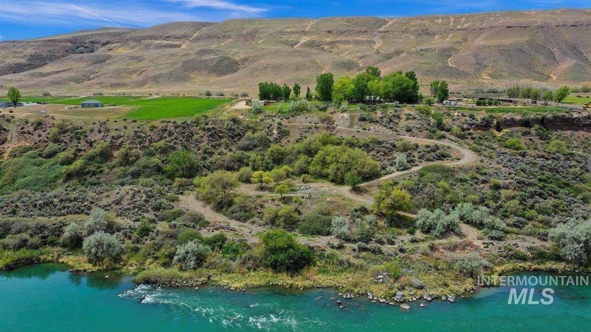 Ranch for Sale at Bliss, Idaho 83314