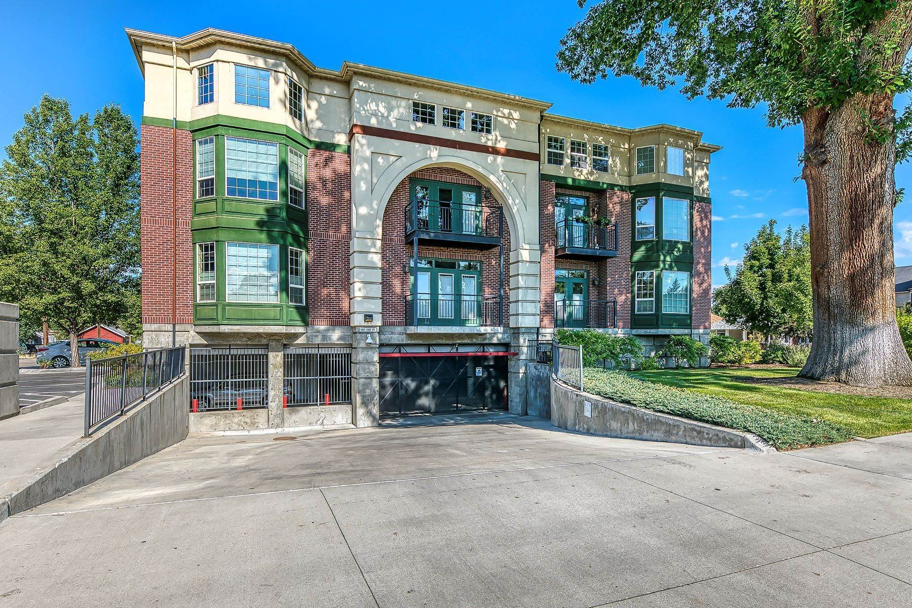 29. Condominiums for Sale at 1207 Fort Street, 220 Boise, Idaho 83702