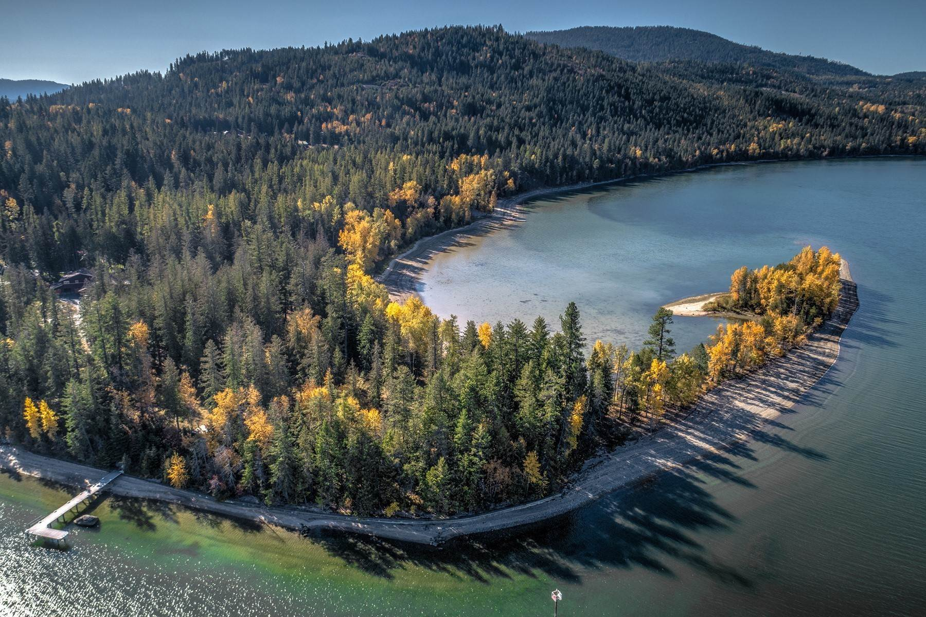 Terreno por un Venta en Beautiful Waterfront on Pend Oreille River Lot 3 Clearwater Lane Sagle, Idaho 83860