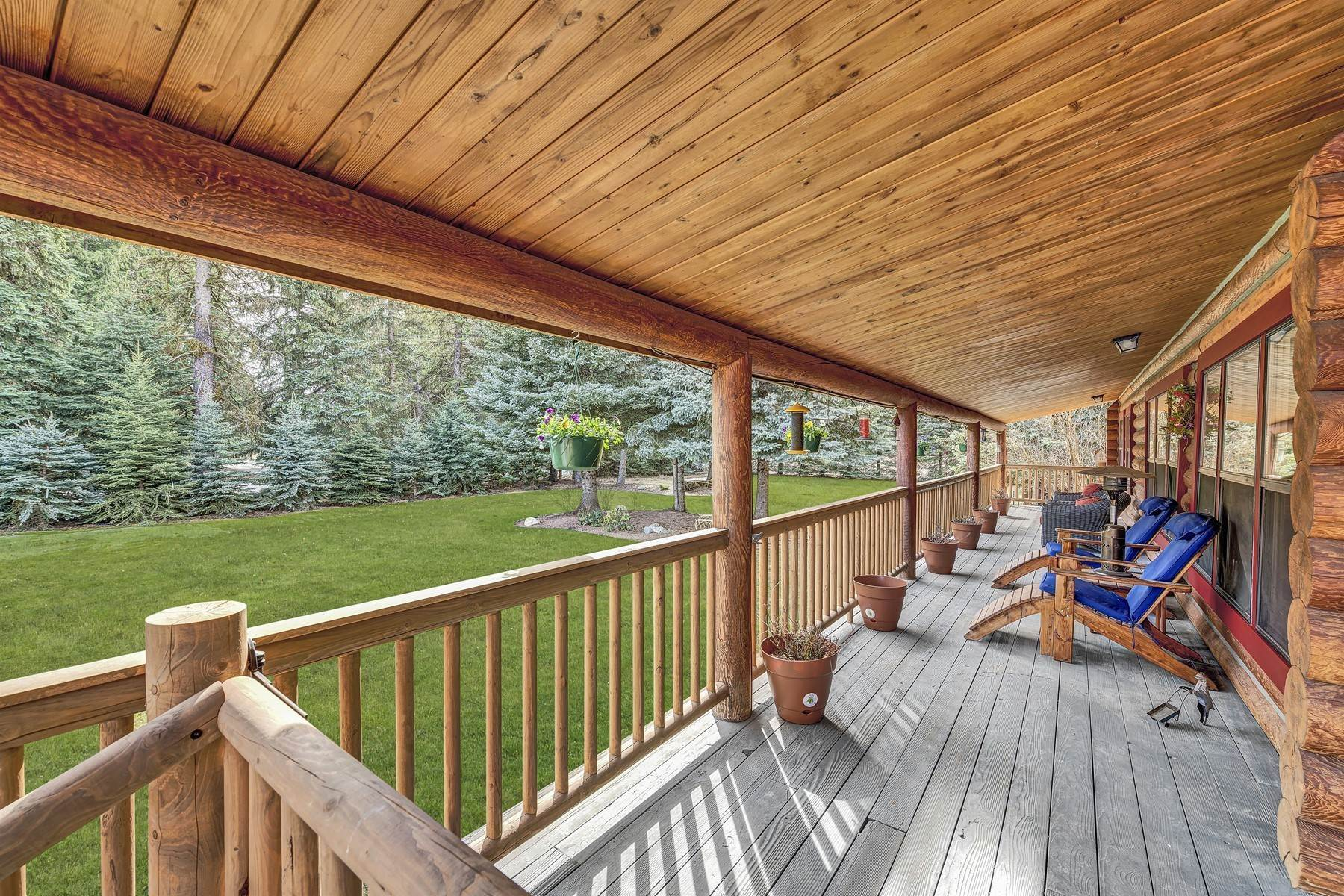 Single Family Homes for Sale at Beautiful Log Home in the Valley 3409 N Selle Rd Sandpoint, Idaho 83864