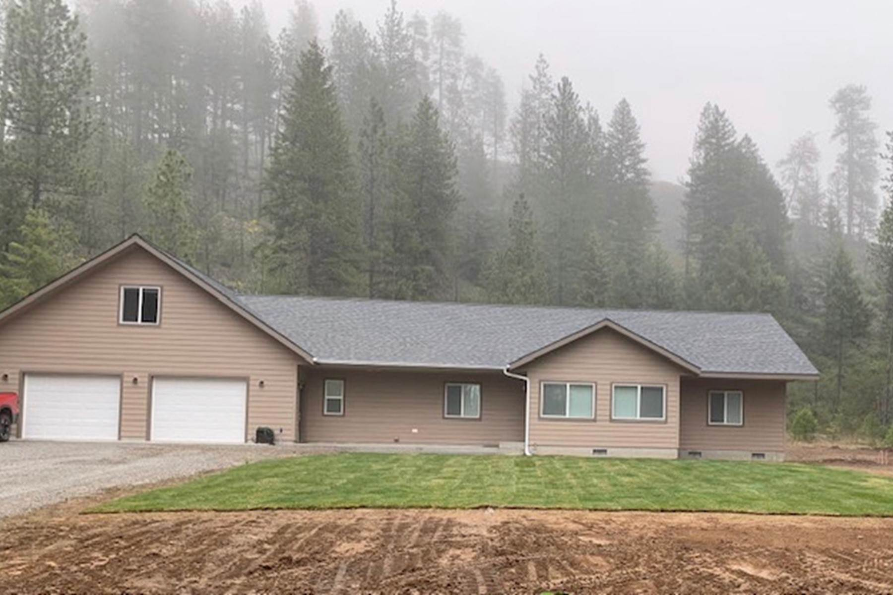 Single Family Homes for Sale at Perfect North Idaho Get Away 629 Hoo Doo Loop Oldtown, Idaho 83822