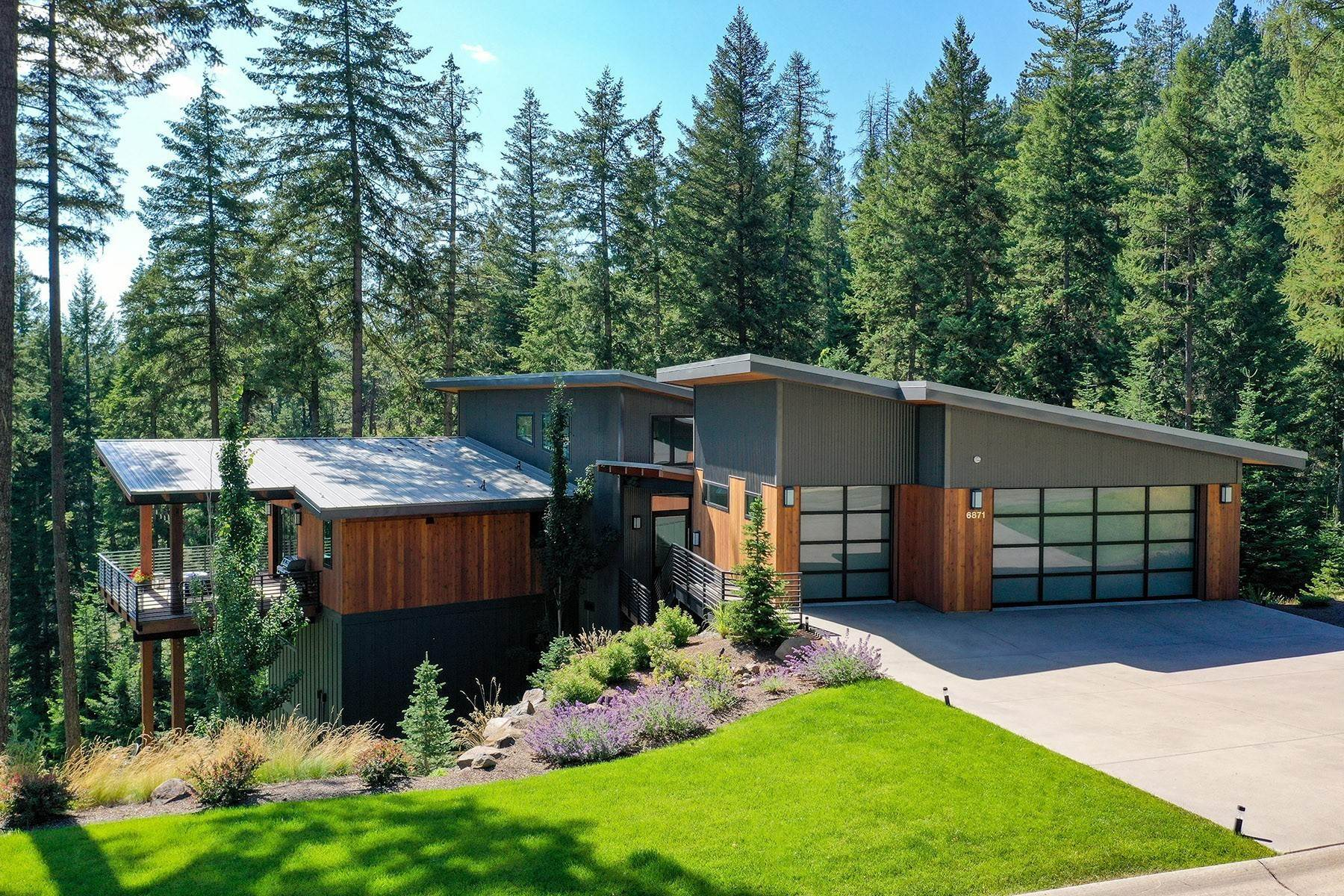 Single Family Homes por un Venta en Gorgeous To-Be-Built Lakefront Home 5486 W Mica Shore Coeur D Alene, Idaho 83814