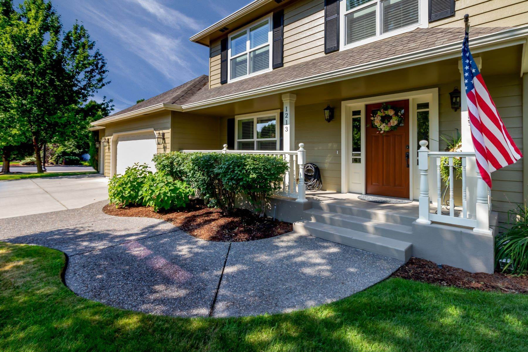 Single Family Homes for Sale at Immaculate Colonial 1213 Yellowhawk Pl Walla Walla, Washington 99362