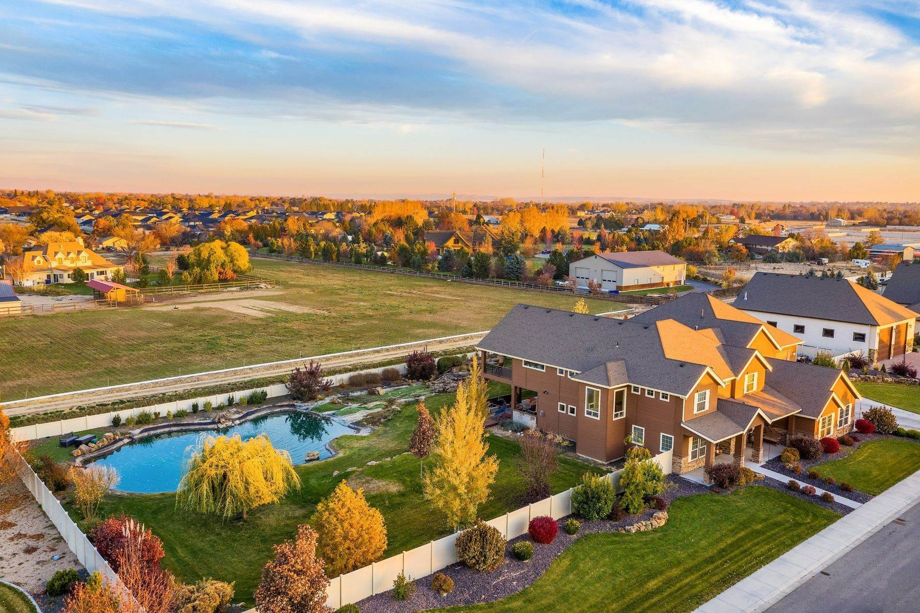 40. Single Family Homes for Sale at Meridian, Idaho 83642