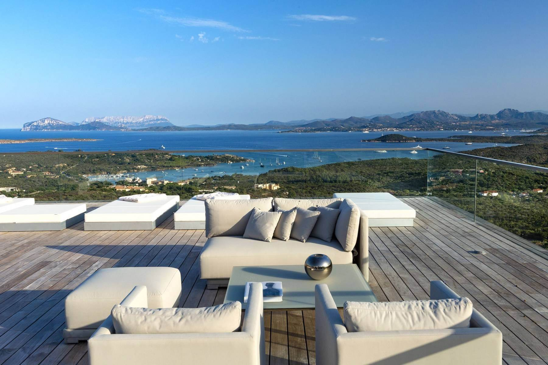 Other Residential Homes 为 销售 在 Prestigious and elegant property in the heart of the Costa Smeralda Porto Cervo, Sassari