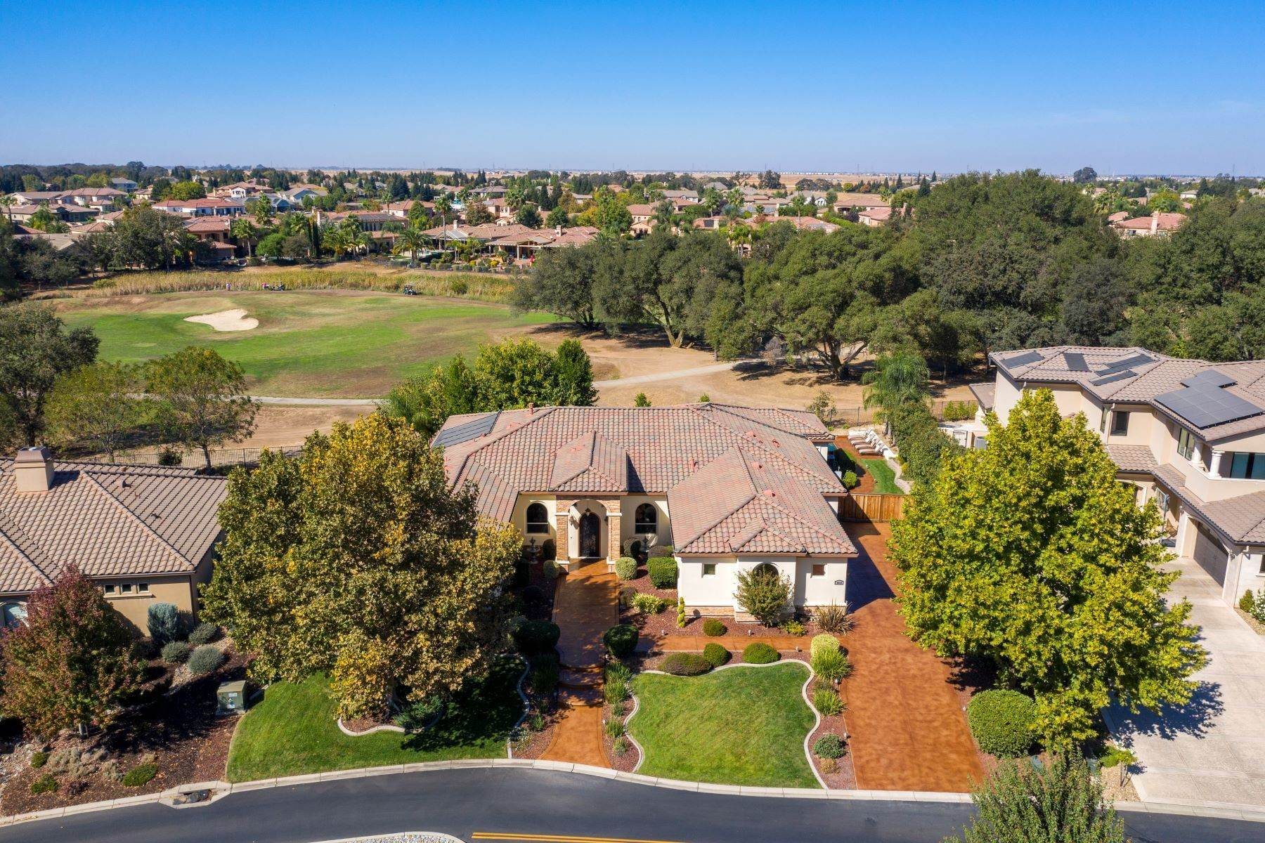 Single Family Homes por un Venta en 8923 Creekstone Circle, Roseville, CA 95747 Roseville, California 95747